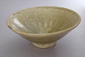 Celadon Bowl, Vietnam, ca.14th-17th C.