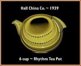 Hall China Gold Decorated 6 Cup Rhythm Tea Pot