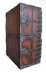 Japanese Edo Period Peddlar's Box Tansu