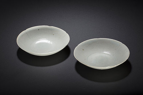 Pair of Southern Song dynasty Hutian qingbai floral bowls perfect cond