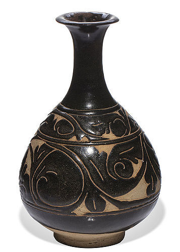 Nice Jin dynasty Cizhou sgraffiato black glazed pear shaped vase