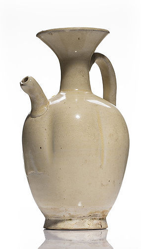 Rare Five dynasties white glazed melon lobed ewer, perfect conditions