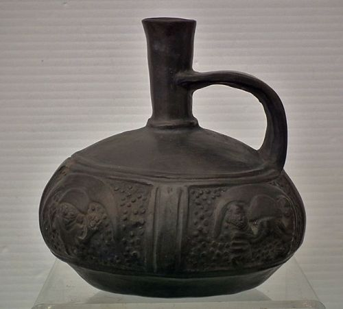 Antique Pre-Columbian Chimú Blackware Pottery Vessel ca. 1100 - 1532 A