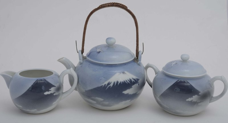 Japanese Nishiura Studio Porcelain  Tea Set Mt. Fuji Sg