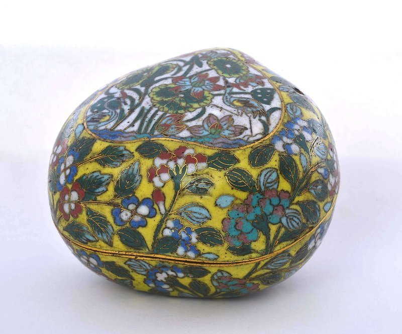 18/19C Chinese Cloisonne Enamel Peach Shaped Scholar Box