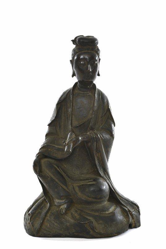 17C Chinese Lacquer Bronze Kwan Yin Buddha Figurine