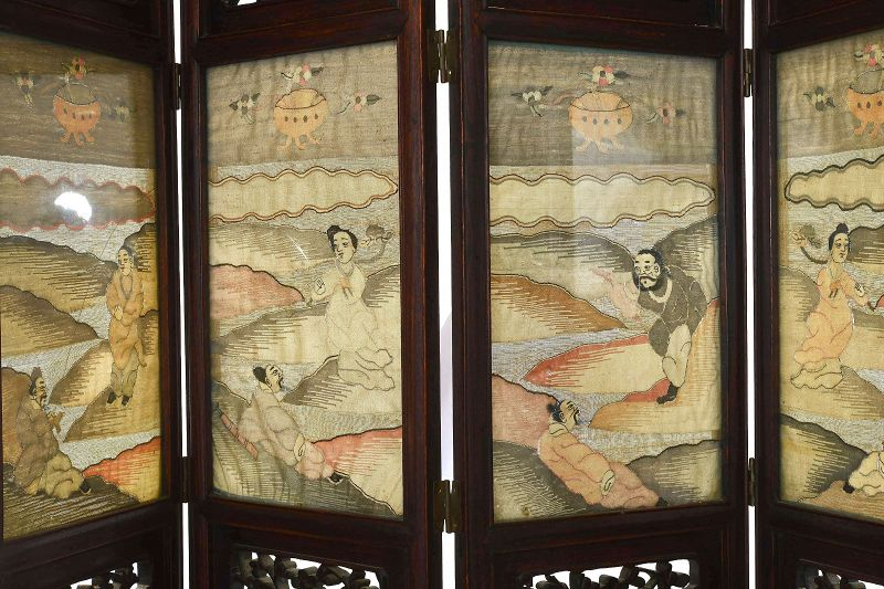 Chinese Kesi Kossu Silk Embroidery Hardwood Carved Screen Panel Dragon