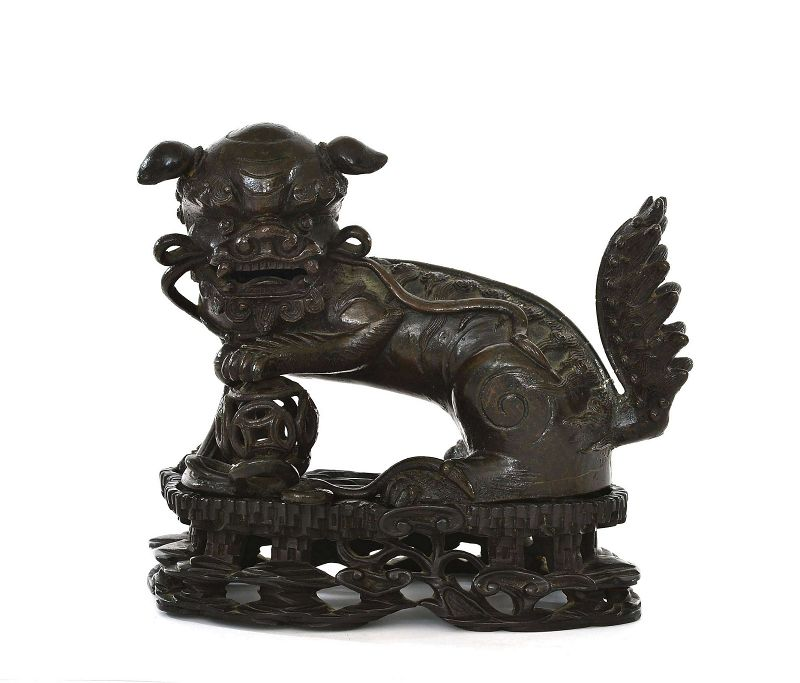 17C Chinese Bronze Fu Foo Dog Lion on Wood Stand 1560 Gram