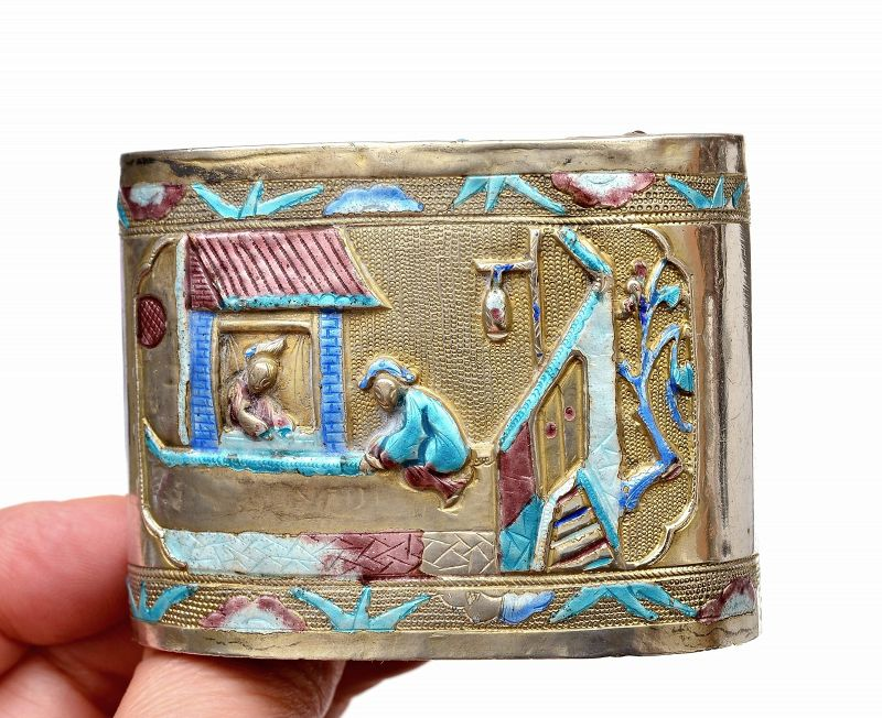 "1920's Chinese Silver Enamel Box Figurine Figure & Bat Marked ""寶�"""