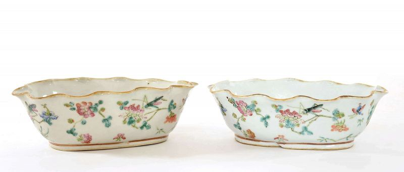 Pair of 1900's Chinese Famille Rose Porcelain Bowl Flower Cricket