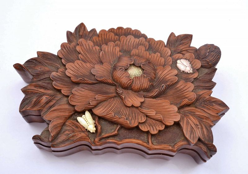 19C Japanese Shibayama Boxwood Carved Chrysanthemum & Cicada Box
