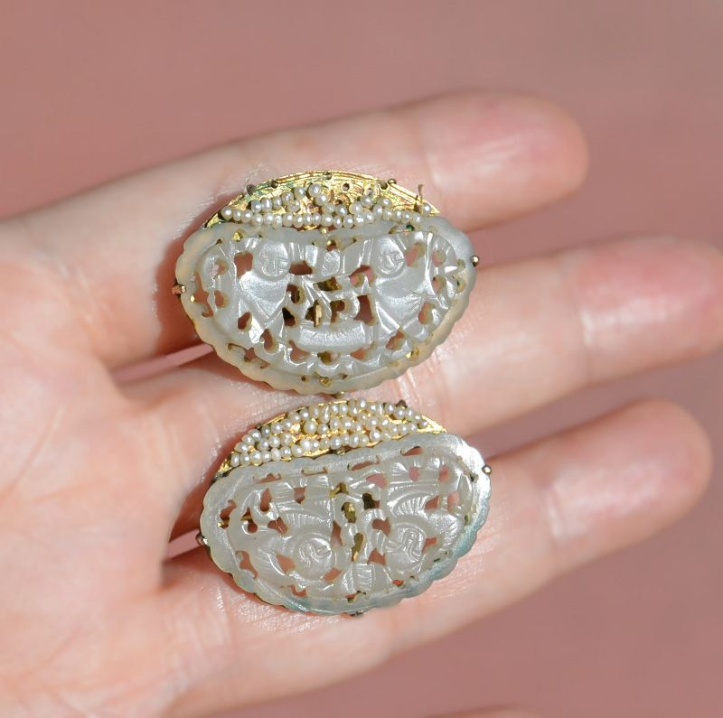 14K Gold Chinese White Jade Carved Carving Plaque Seed Pearl Earring
