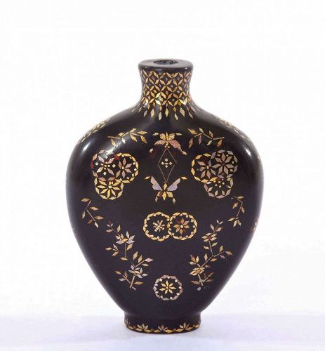 19C Chinese Lac Burgaute Inlaid Lacquer Snuff Bottle