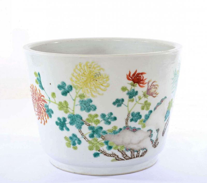 Old Chinese Famille Rose Chrysanthemum Flower Porcelain Planter Pot