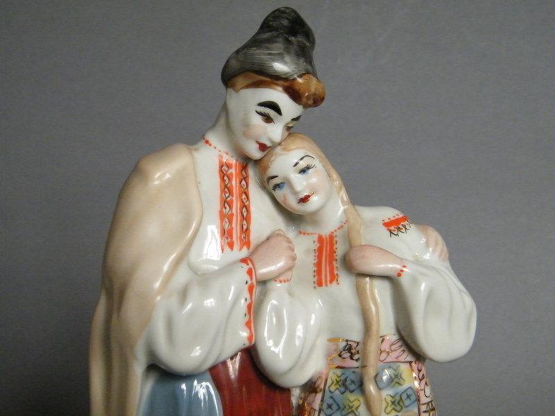 Large Pollonnoye Soviet Russian Figure Group c 1970s