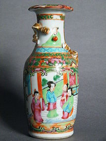 Late Qing Chinese Export Famille Rose Enamelled Vase