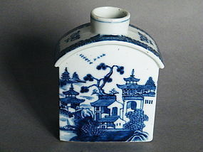 Chinese Blue & White Export Tea Caddy Qianlong 1736-1795