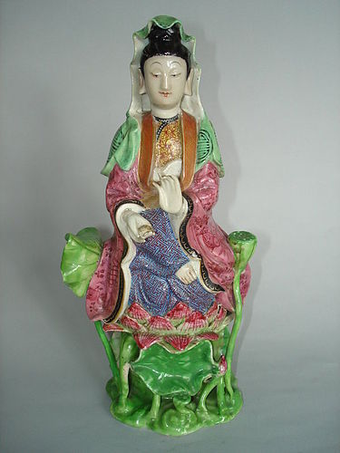 Chinese Famille Rose Porcelain Guanyin, Jiaqing (1796-1820)