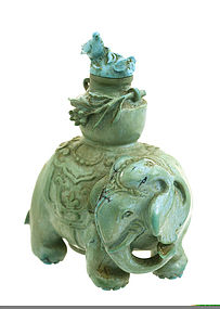 Early 19C Chinese Turquoise Elephant Snuff Bottle