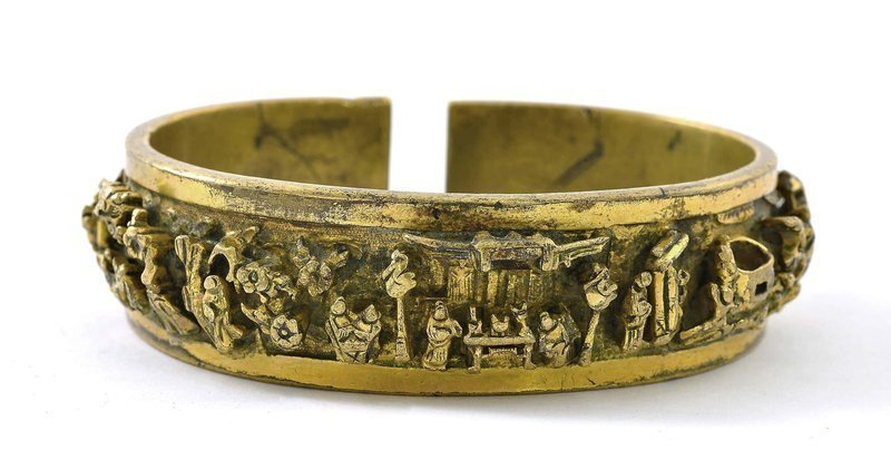 17/18C Chinese Gilt Bronze Man's Bangle Bracelet Figure