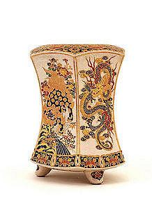 19C Japanese Imperial Gosu Satsuma Hex Vase