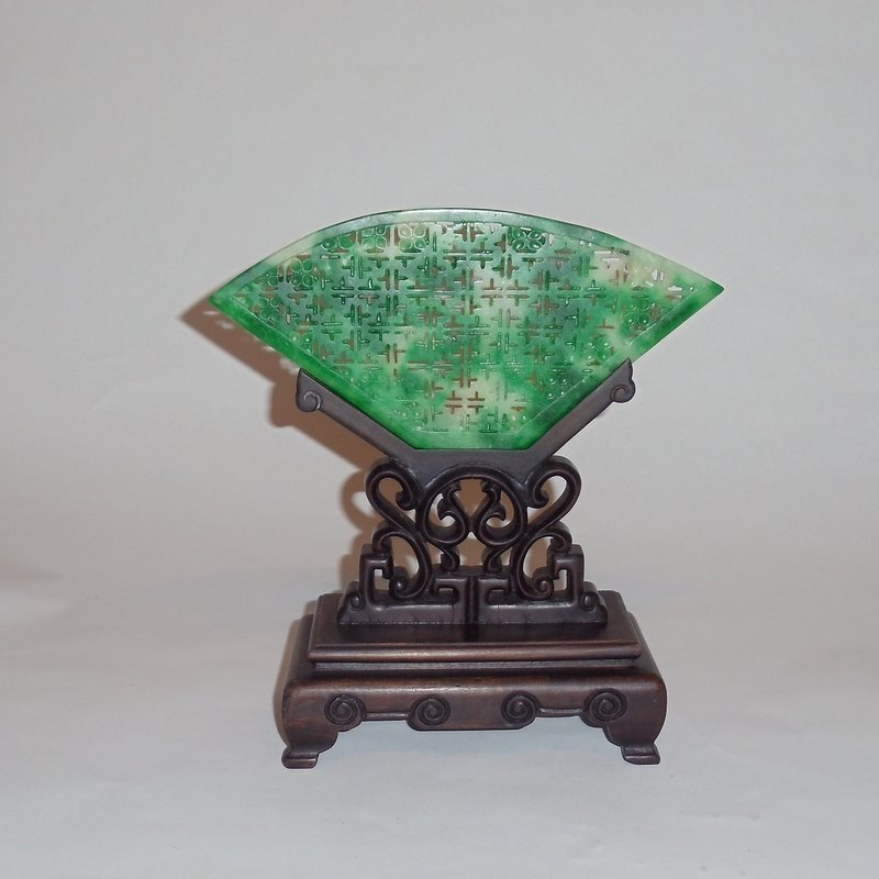 An Exquisite and Rare Jadeite Table Screen