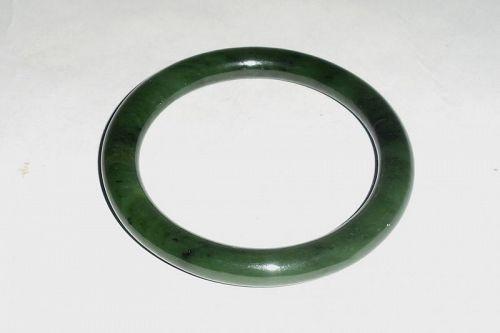 A Late Qing Dynasty Hetian Jade Bracelet