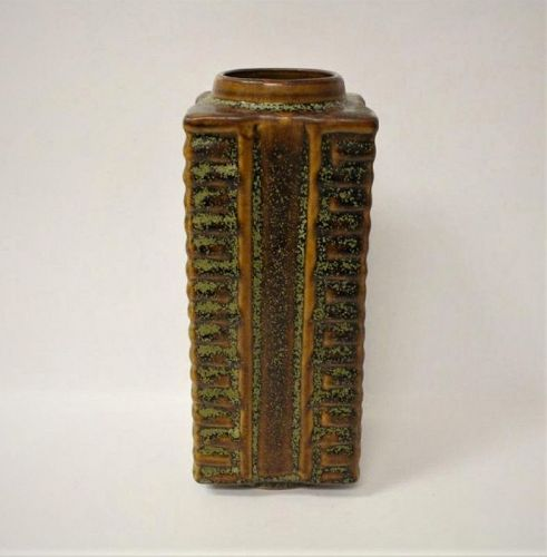 A Rare & Exquisite Song Dynasty Dingyao Jade-Cong Shaped Vase