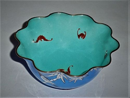 A-Rare-Qing Dynasty-Cloisonne-Enamel-Floral-Shaped-Bowl-with-Bird-Bat