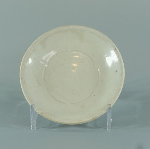 A Chinese white ware dish, Song dynasty
