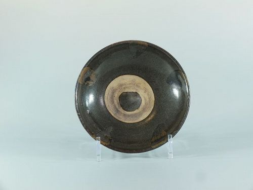 A Northern Chinese black ware dish, Jin to Yuan dynasty