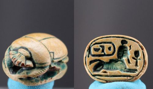 Green glazed steatite scarab with cartouche of Neb-maat-Re 1,5cm