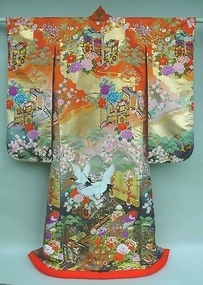 Japanese Wedding Gown, Ancient Imperial Carts, Flowers