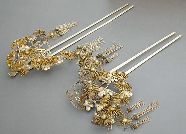 Antique Japanese Hair Ornament, Large Silver Kanzashi
