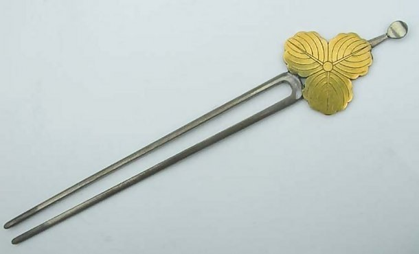 Japanese Antique Silver Kanzashi Hairpin: Family Crest