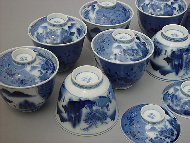 A set of Hirado Bowls with Lids - #2