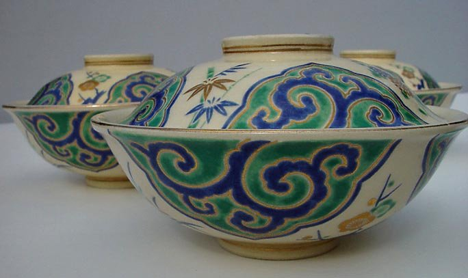 Japanse Kyo-yaki Bowls with Covers - A Set of Five