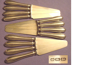 12 COIN HOLLOW-HANDLE  'OVAL THREAD' KNIVES