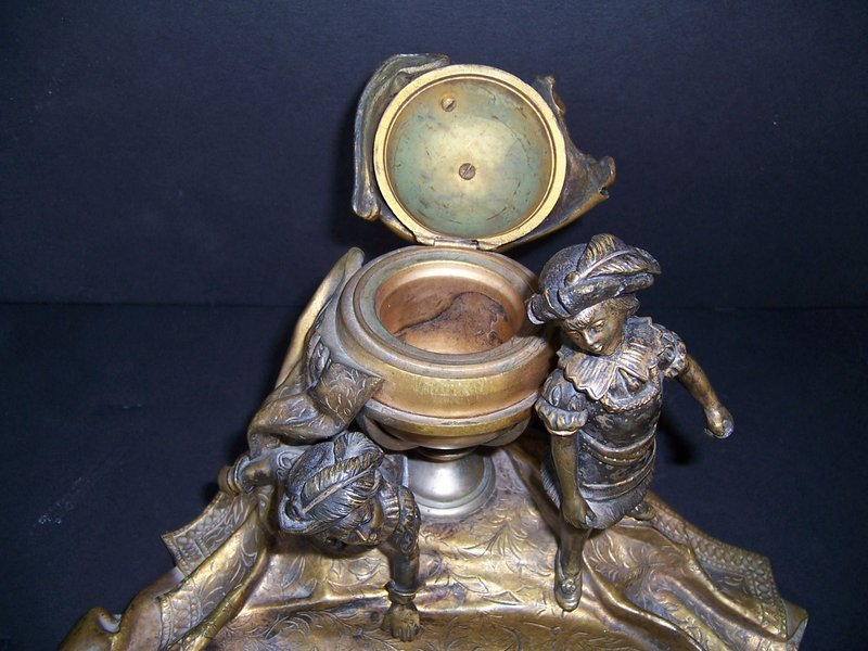 A Good Late 19th Century European Bronze Inkwell