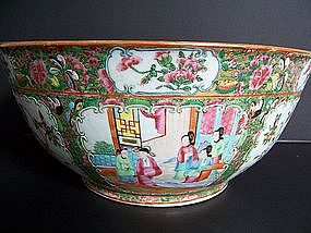 A Very Fine Rose Medallion Punchbowl, Mid-Late 19th
