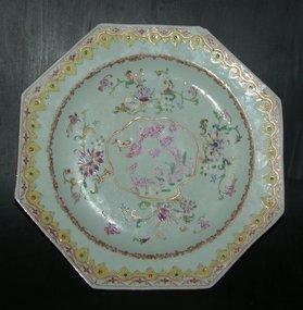 "A famille rose ""deer"" plate, Qianlong (1736 - 1795)"