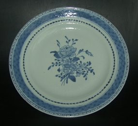 Blue and white plate, Qianlong ( 1736 - 1795 )