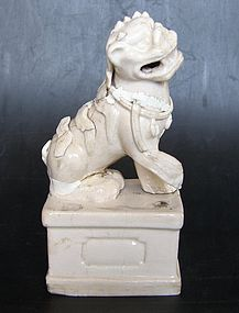 Foo dog, Blanc de Chine, Kangxi ( 1662 - 1722 )