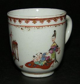 Cup with figures in iron-red, Qianlong (1736 - 1795)