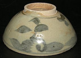 Yuan bowl in under glaze blue, 13e century