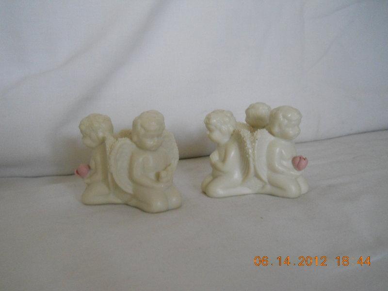 PAIR OF 3 KNEELING ANGELS