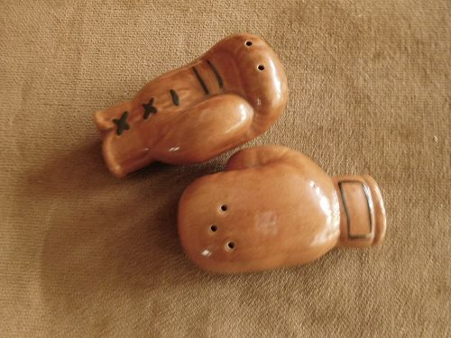 BOXING GLOVES  S. & P.  SHAKERS