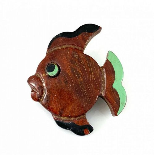WHIMSICAL Vintage 1940s Carved & Painted Friendly Fish Brooch PIN