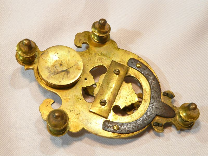 Chinese Impérial sundial  Bronze gilded and glass.