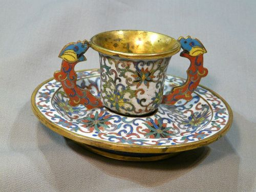 Chinese cup in cloisonné enamel.Qing.